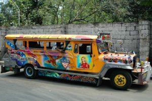 Những chiếc xe Jeepney Philippines và ký ức về xe Lam của Việt Nam