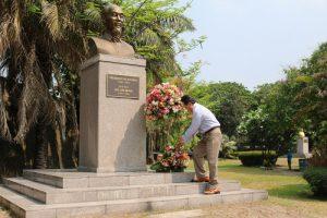 Du lịch Philippines đừng quên ghé thăm tượng đài Bác Hồ tại manila
