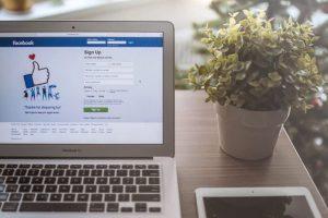 Những ứng dụng làm đẹp khi live stream Facebook