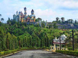 Ghé thăm Disneyland của Philippines - Fantasy World Batangas