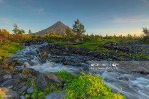 Cắm trại ở núi lửa Mayon Philippines
