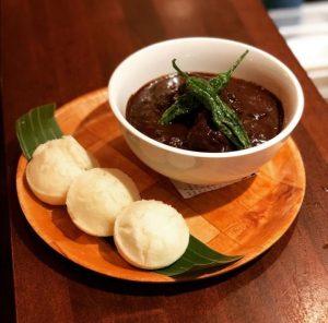 Món ăn Dinuguan của người Philippines